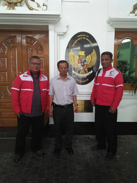 Relawan BSMI bersama KBRI di Yangon, yakni Pak Budi (Minister Counsellor)